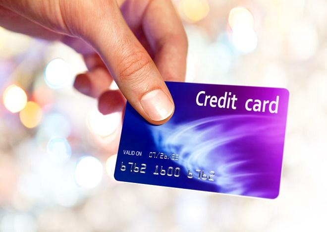 Чем отличается кредитная карта от потребительского займа?