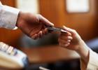 Перевыпуск кредитной карты: автоматический и по инициативе клиента